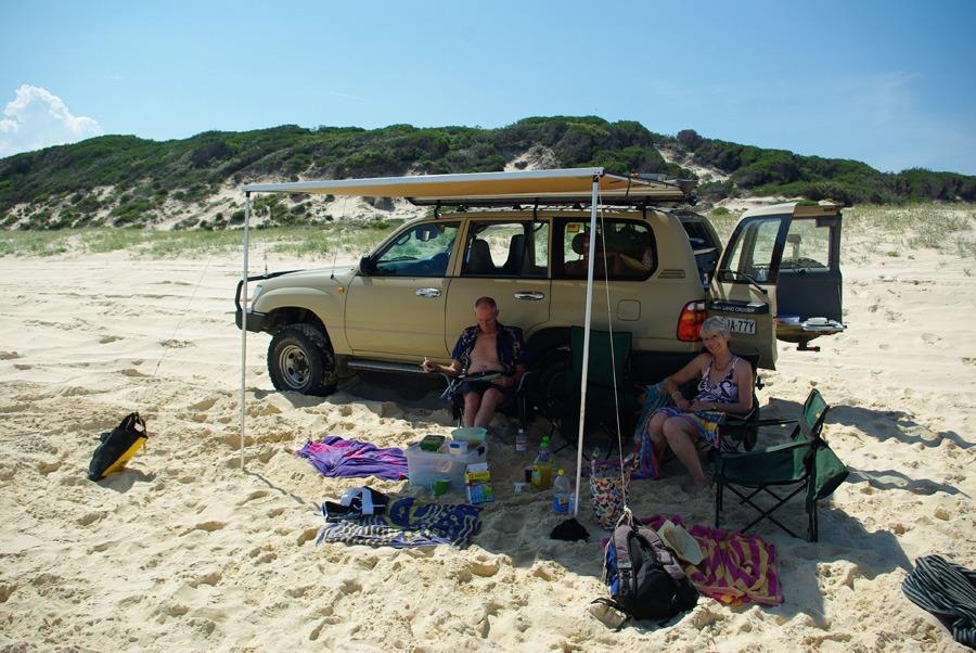 beach-tent-off-car