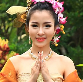 traditional-thai-woman